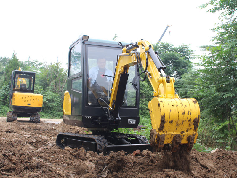 R330 small excavators are excavated for construction
