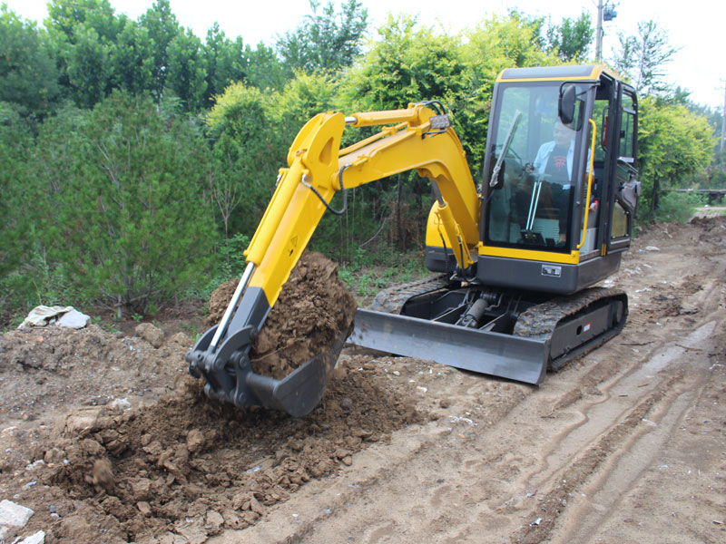 R355 construction of trenching with crawler-type small excavator