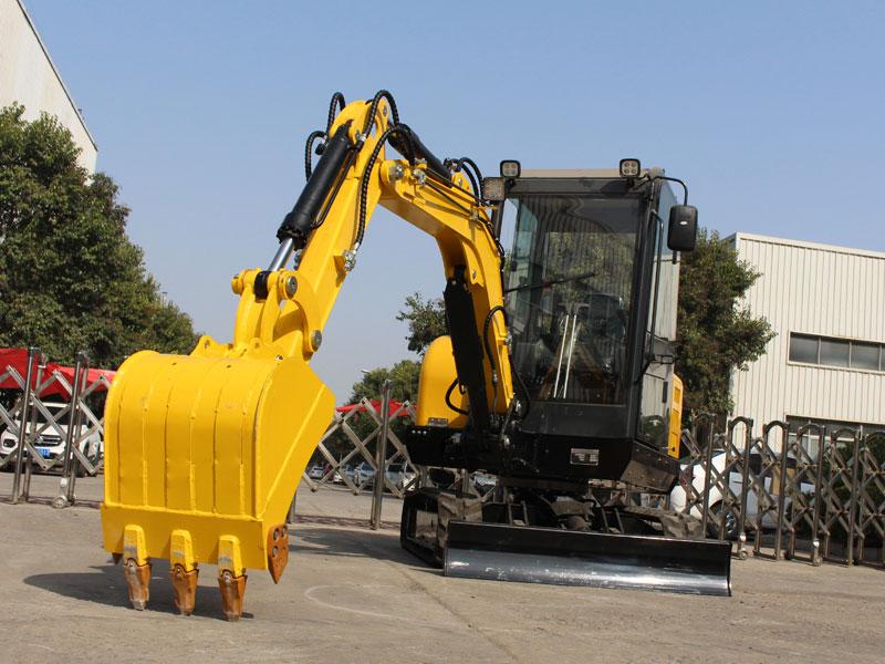 Three aspects of rapid improvement of small excavator operators