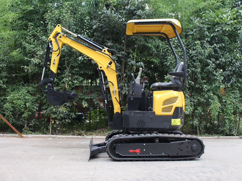 Comparison of quotations for small excavators at home and abroad